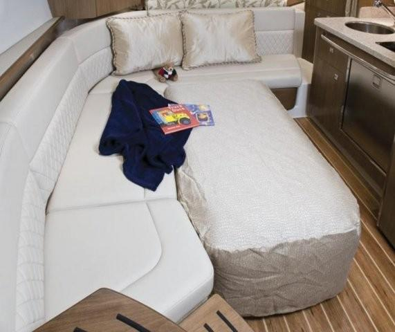 Chaparral 310 Signature 9
