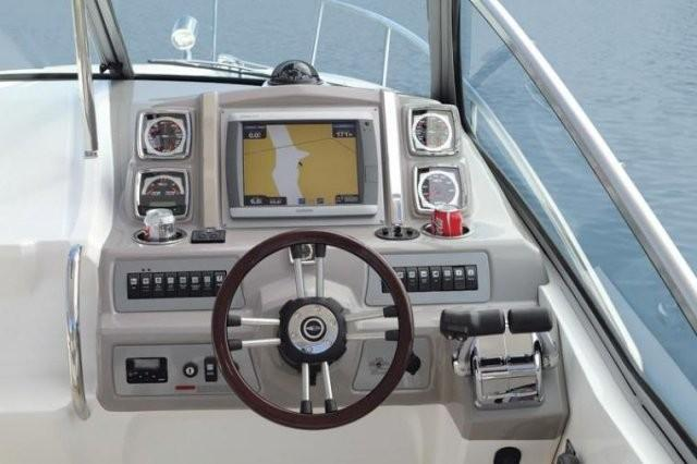 Chaparral 310 Signature 8