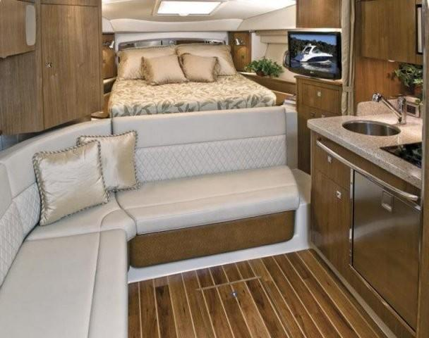 Chaparral 310 Signature 10