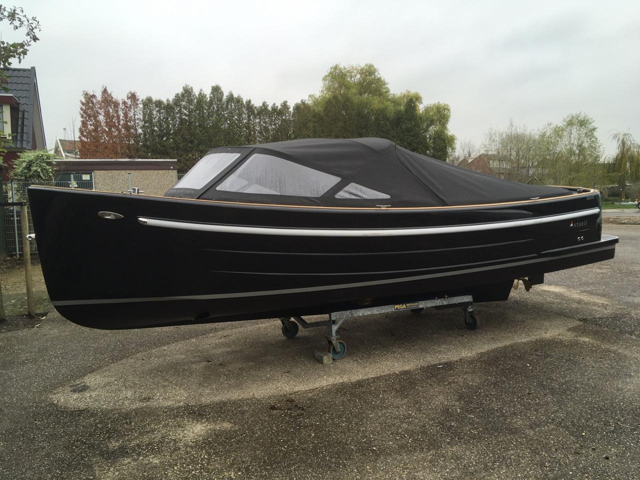 Antaris Sixty6 zwart met 52 pk  1