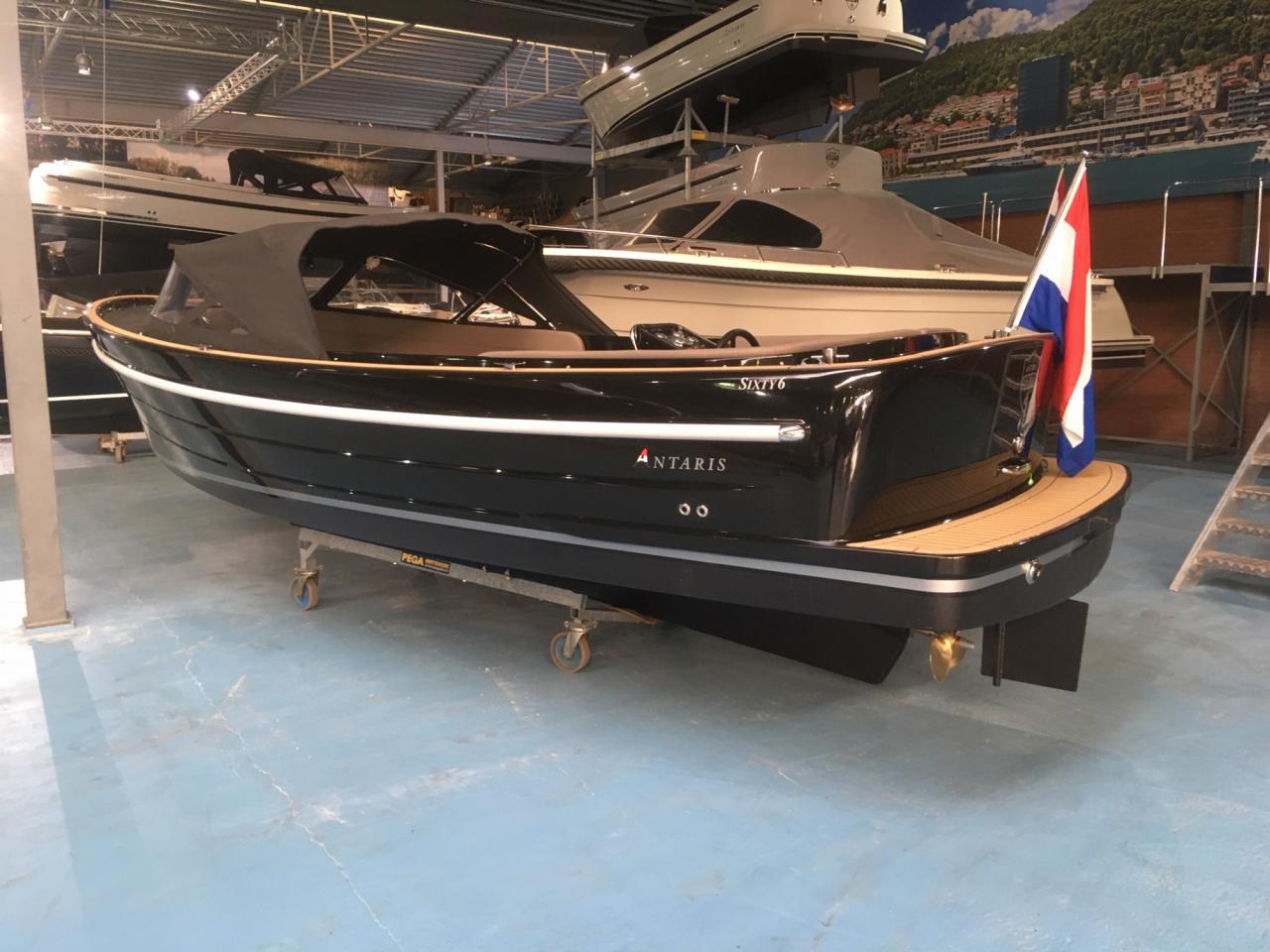 Antaris Sixty6 zwart met 52 pk Vetus 1