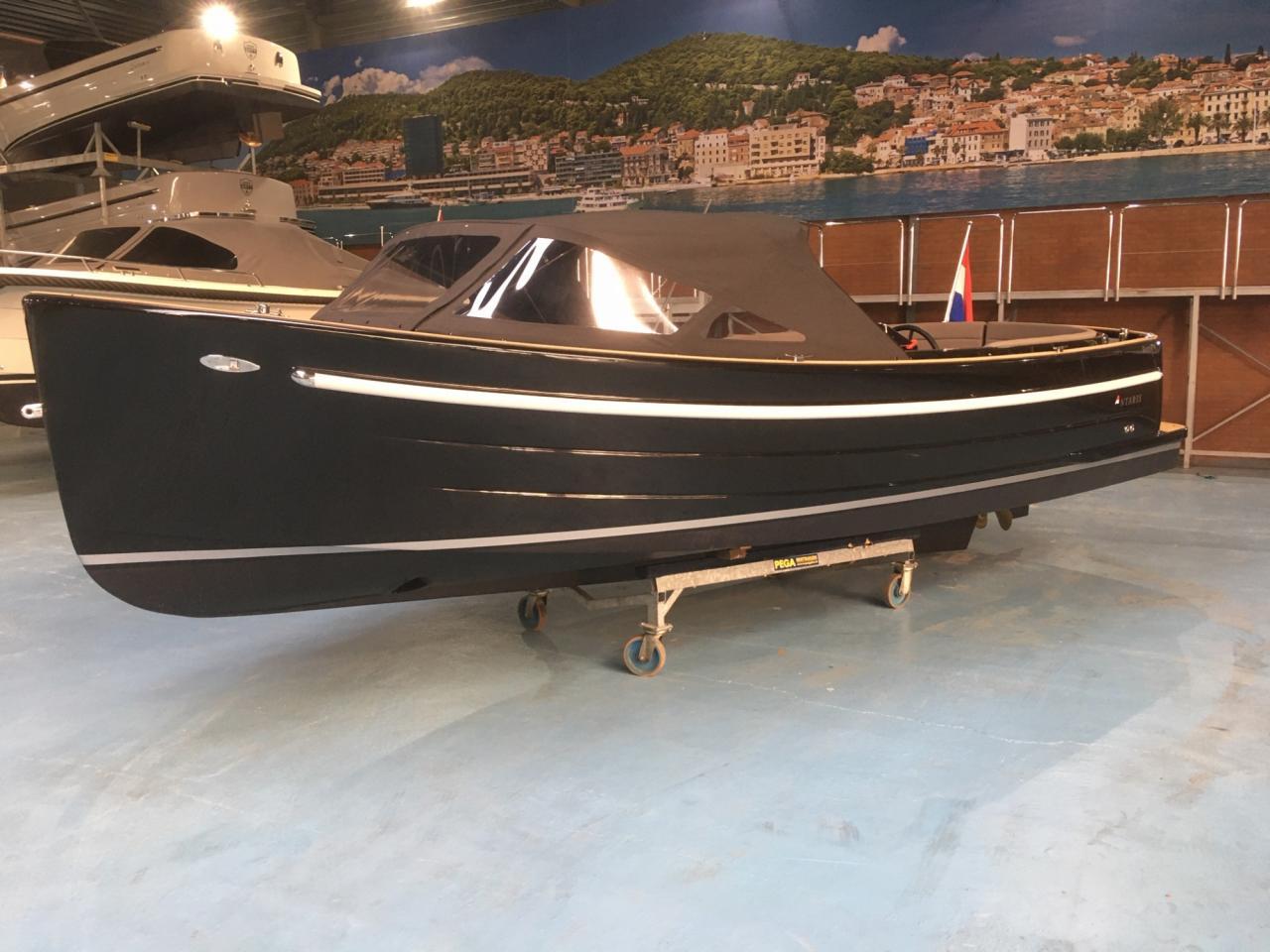 Antaris Sixty6 zwart met 52 pk Vetus 17