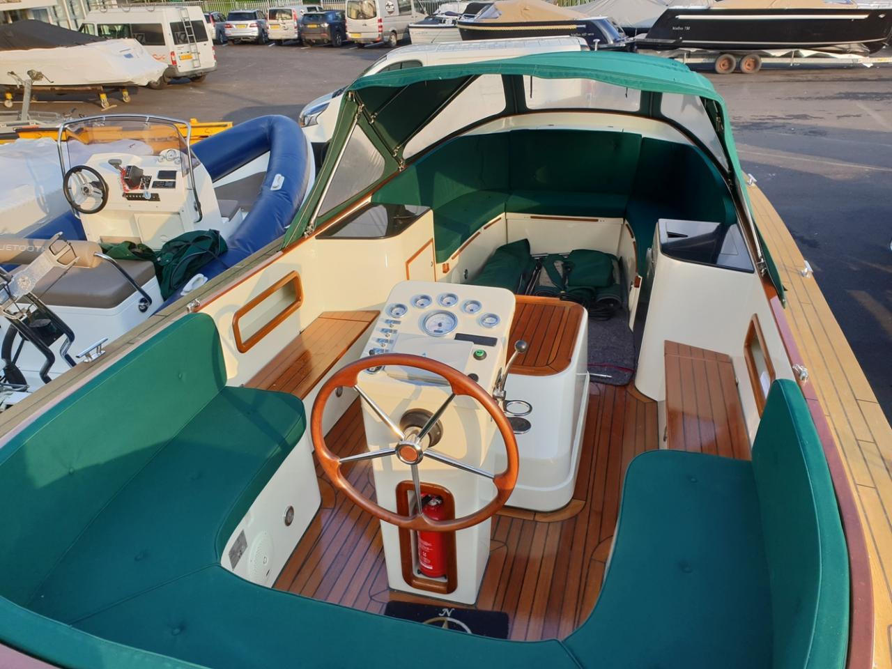 Maril 795 tender met Vetus 42 pk full options! 9