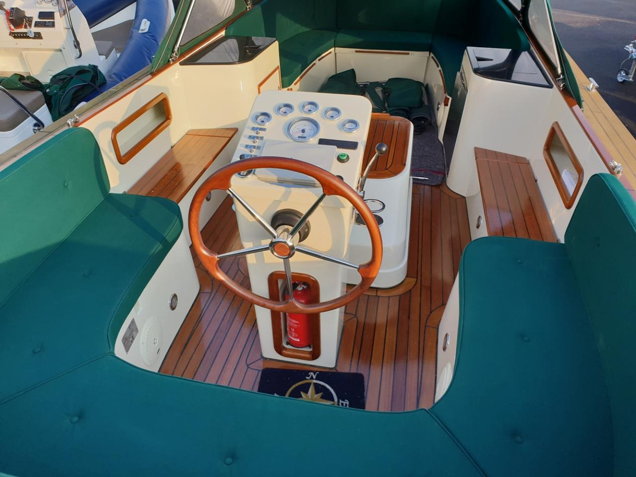 Maril 795 tender met Vetus 42 pk full options! 16