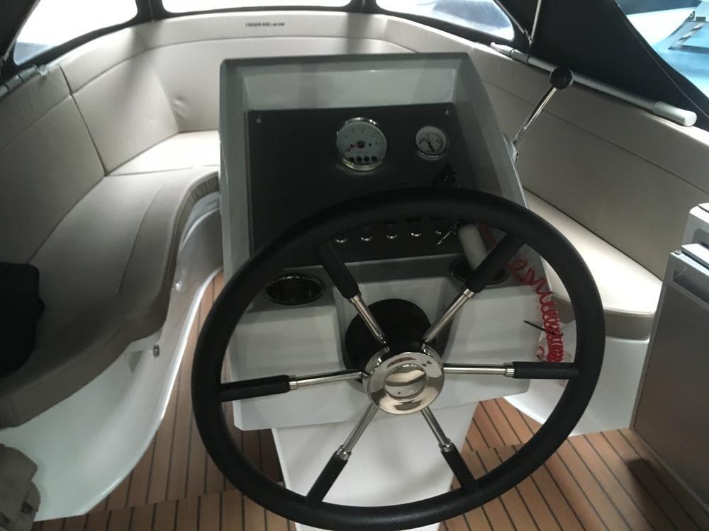 Corsiva 690 tender met Suzuki 90 pk 10