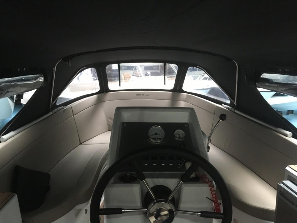 Corsiva 690 tender met Suzuki 90 pk 12