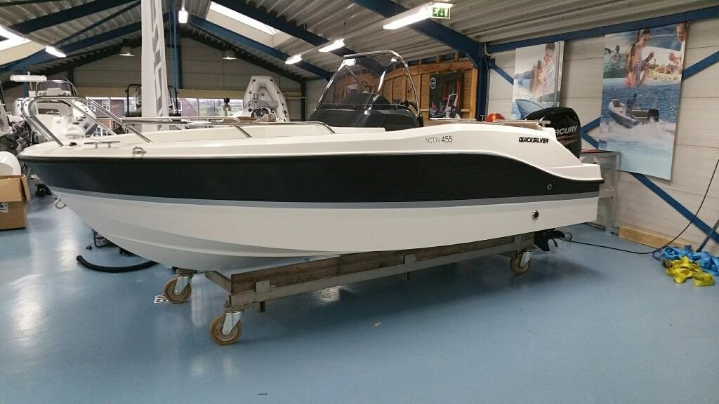 Quicksilver 455 activ open 6