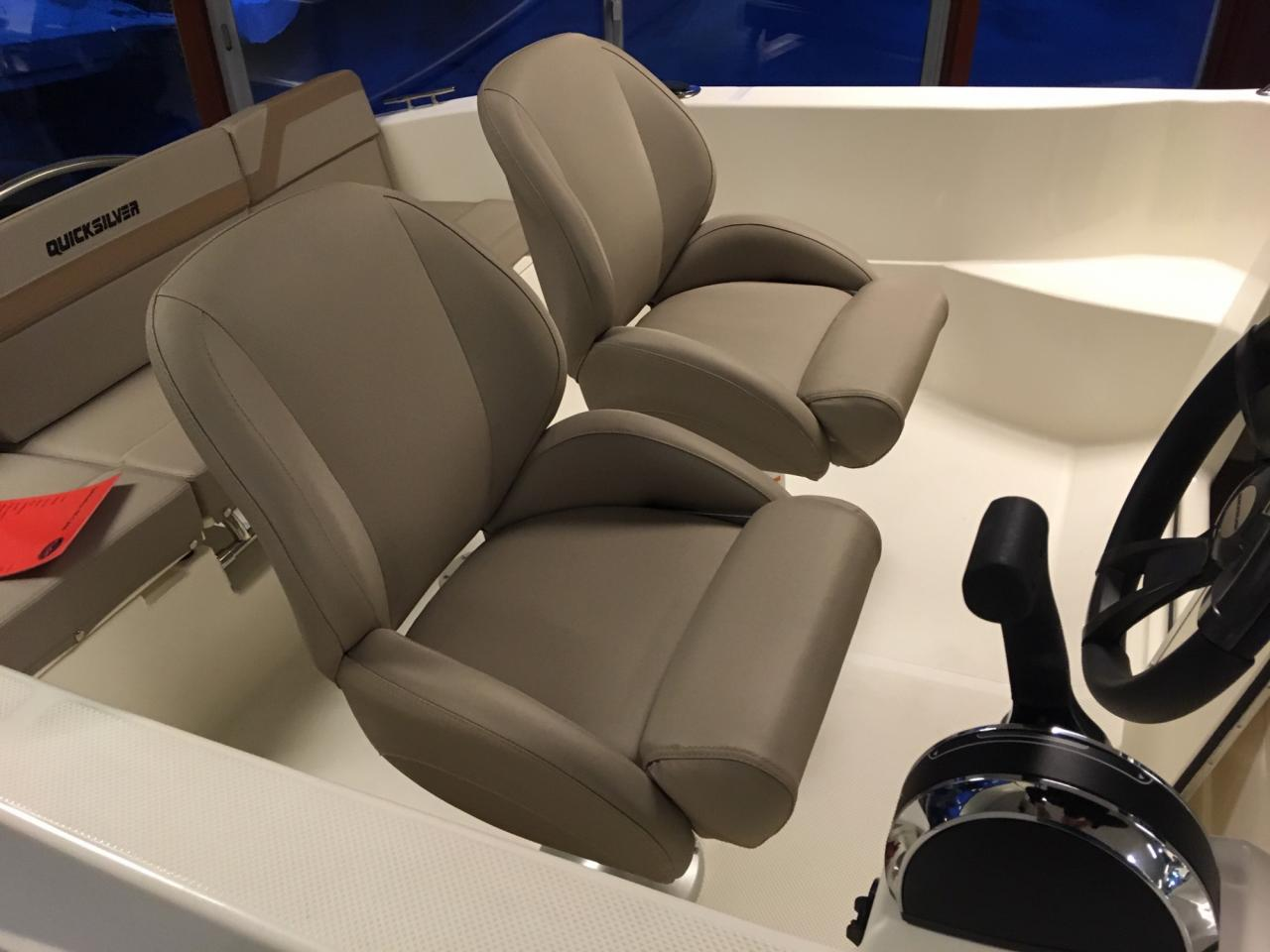 Quicksilver 455 activ cabin met Mercury 25 pk 3