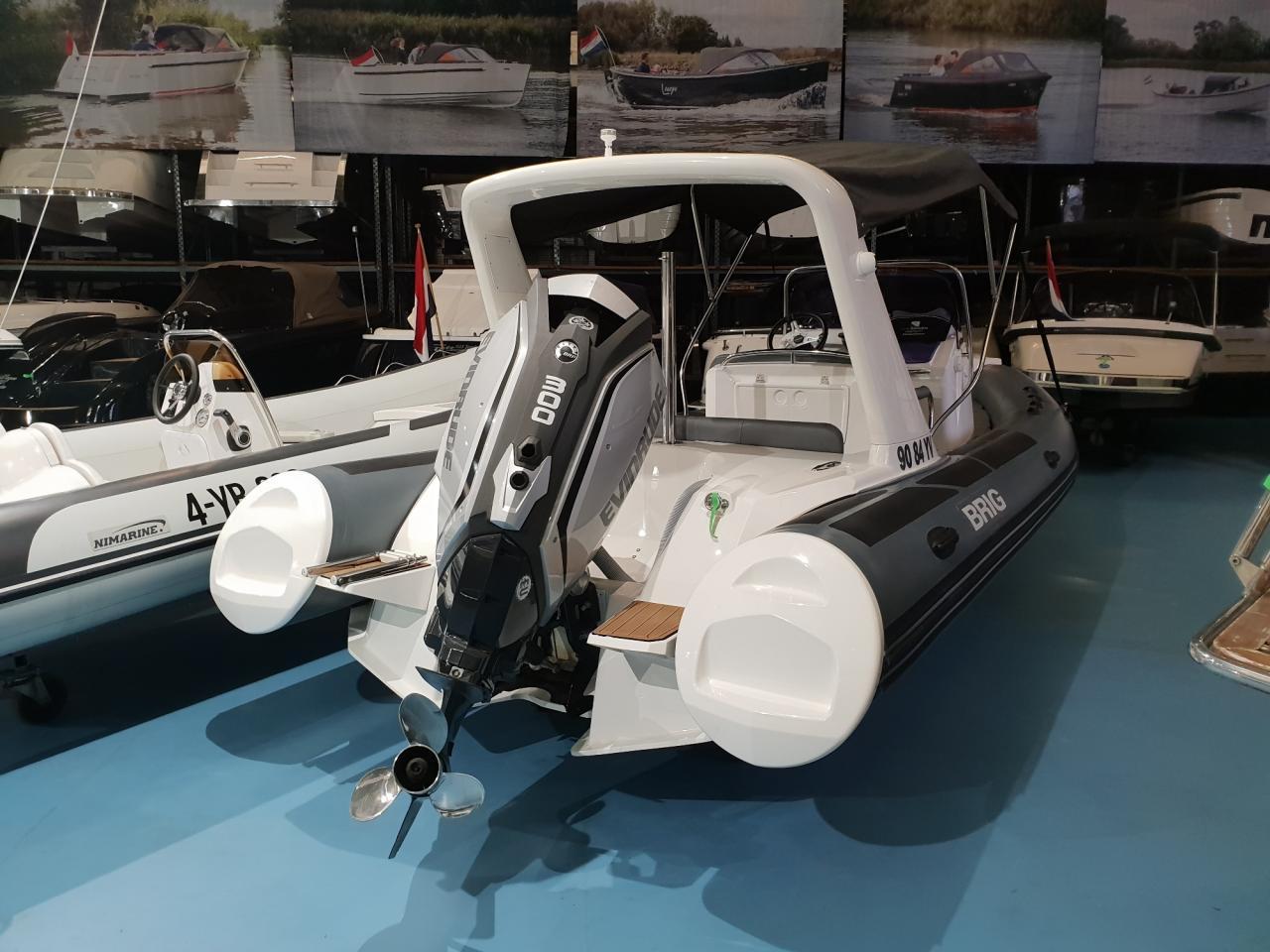 Brig eagle 650 met Evinrude E-tec 300 pk motor 2