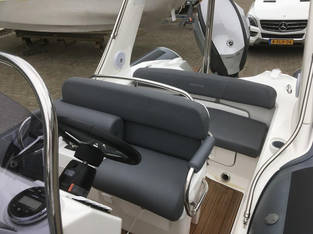Brig eagle 650 met Evinrude E-tec 300 pk motor 4