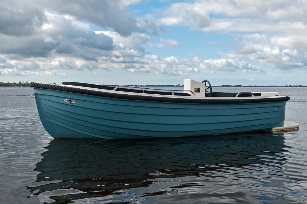 Primeur 570 outboard 2
