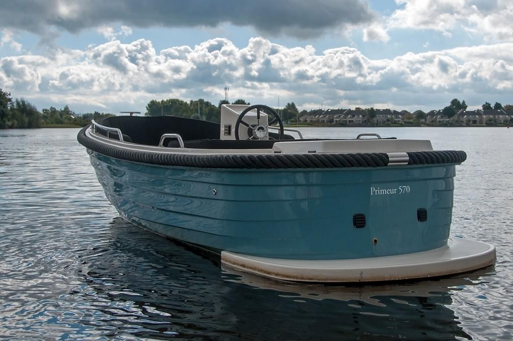 Primeur 570 outboard 3