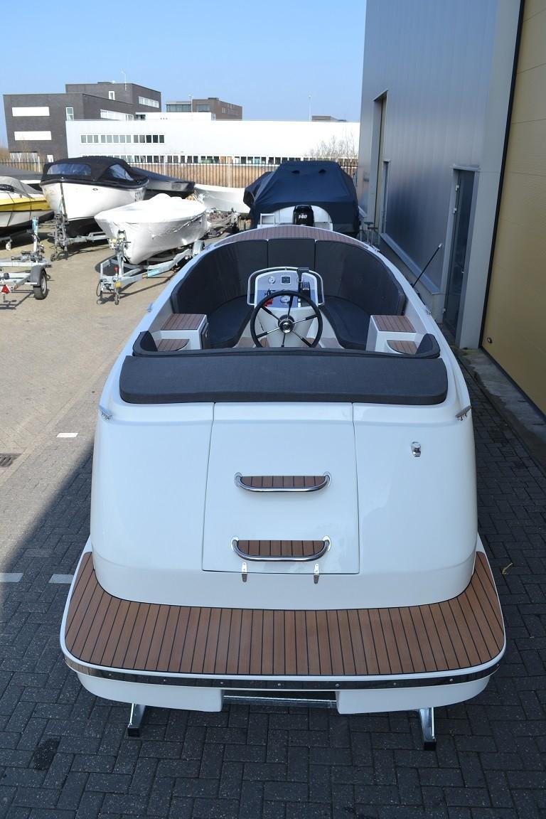 Primeur 710 tender 4