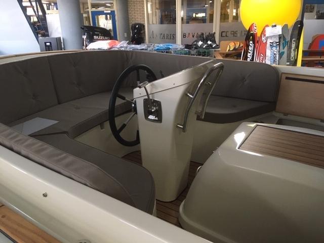 Antaris fifty5 pebble grey met 27 pk Vetus diesel 6