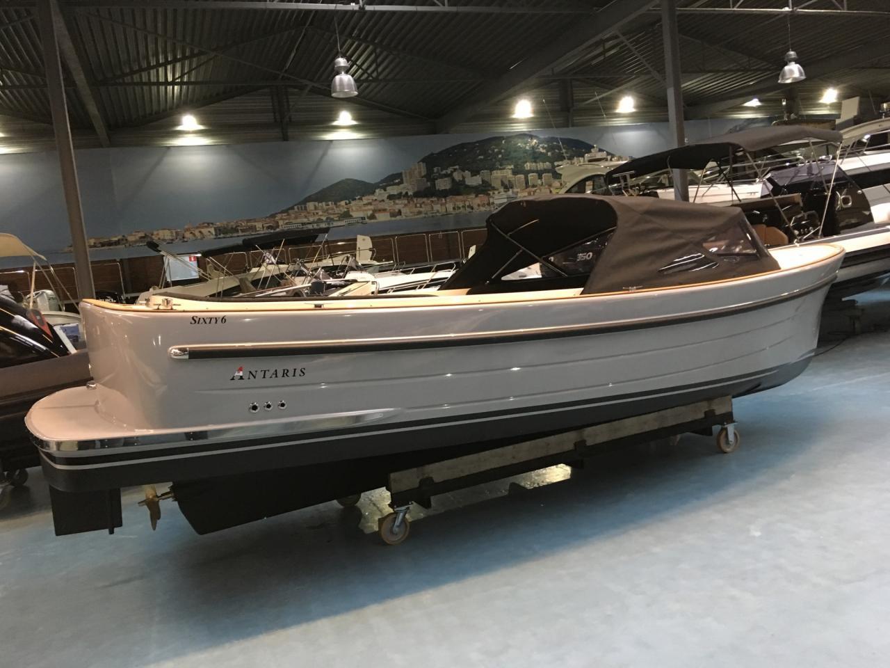 Antaris sixty6 grijs met 42 pk Vetus 6