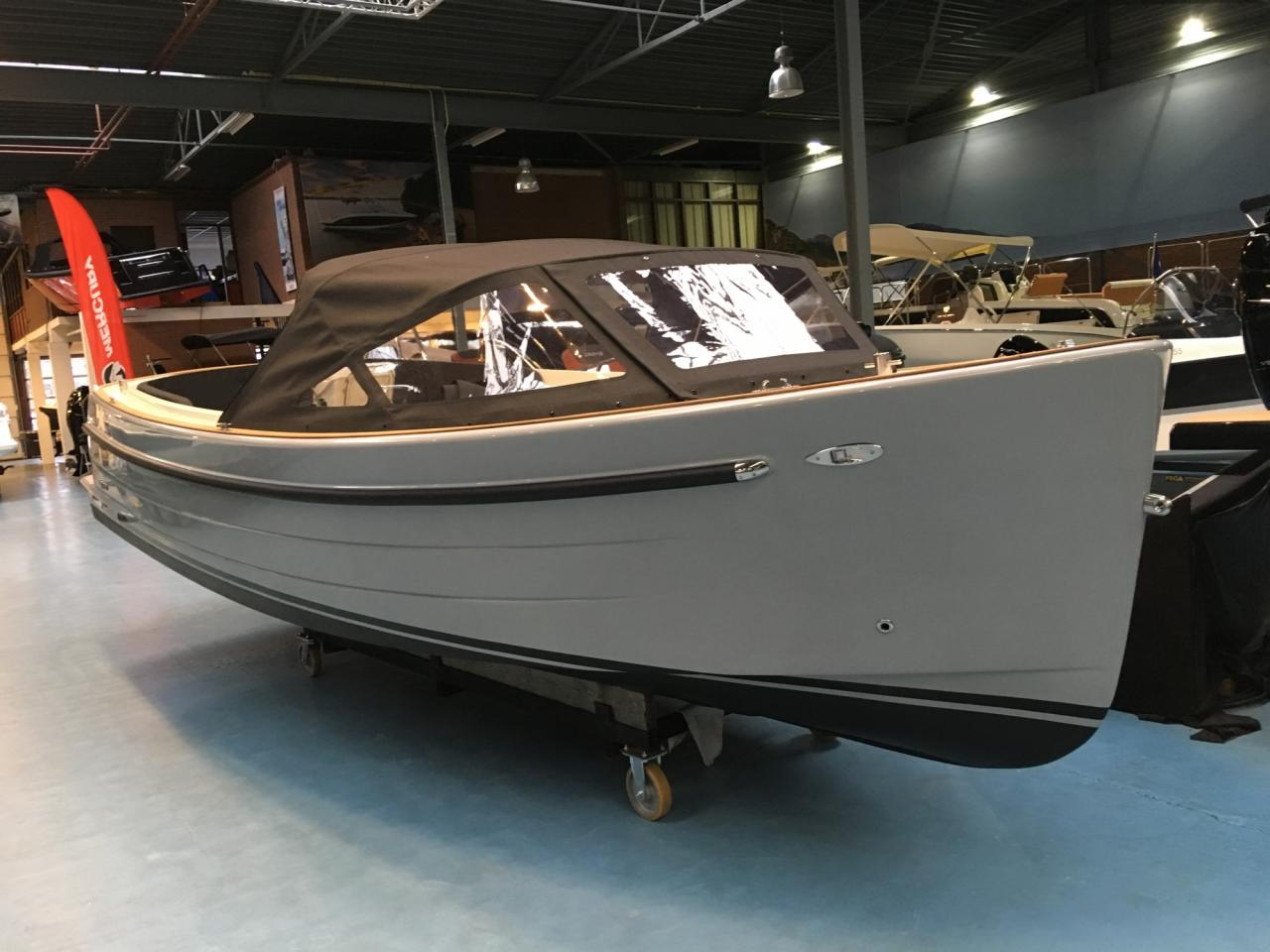 Antaris sixty6 grijs met 42 pk Vetus 5