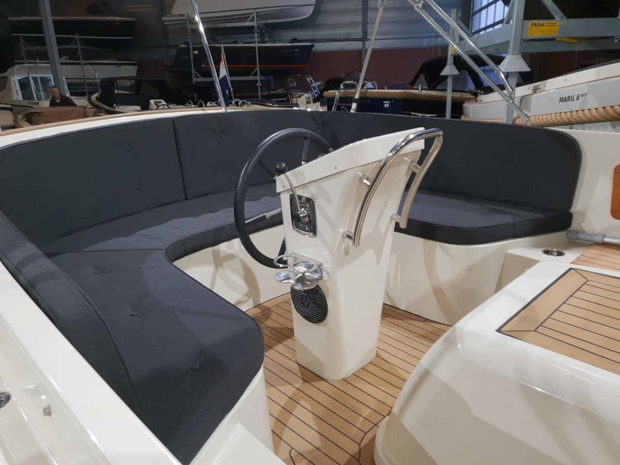 Antaris sixty6 offwhite met Vetus 42 pk  5