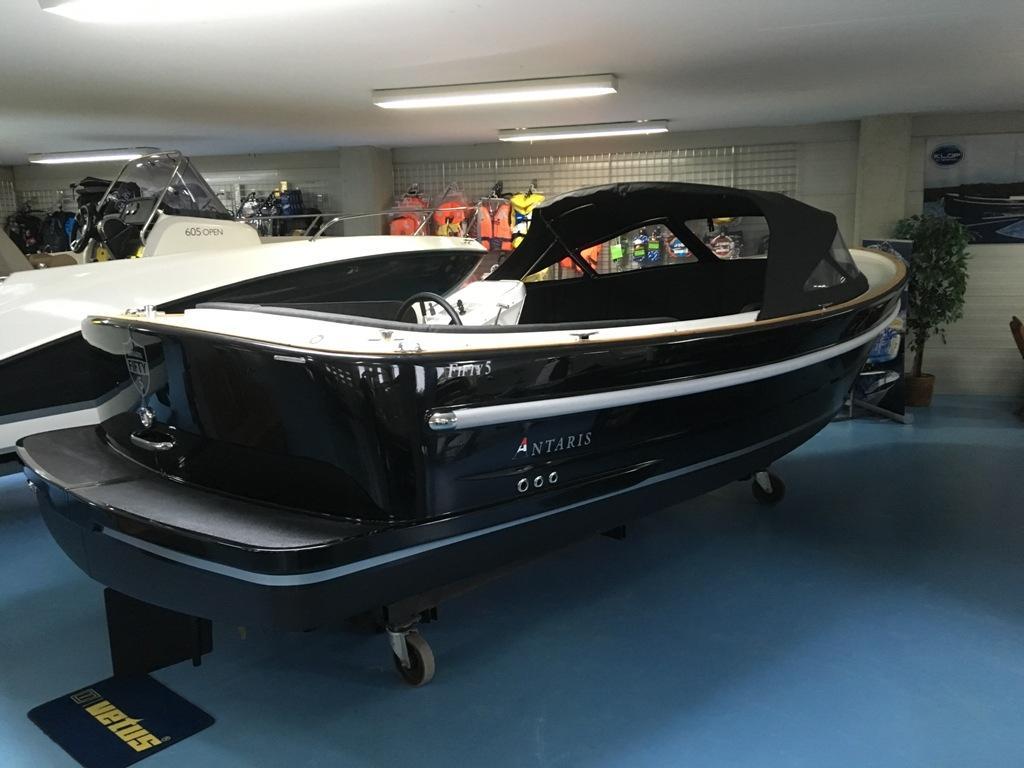 Antaris Fifty5 zwart met 27 pk 1