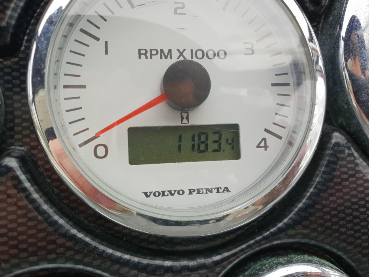 Bavaria 35 sport met 2 x Volvo Penta D6 310 pk diesel 36