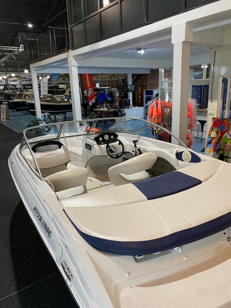 Four Winns 180 LE met Mercruiser 3.0 liter 5