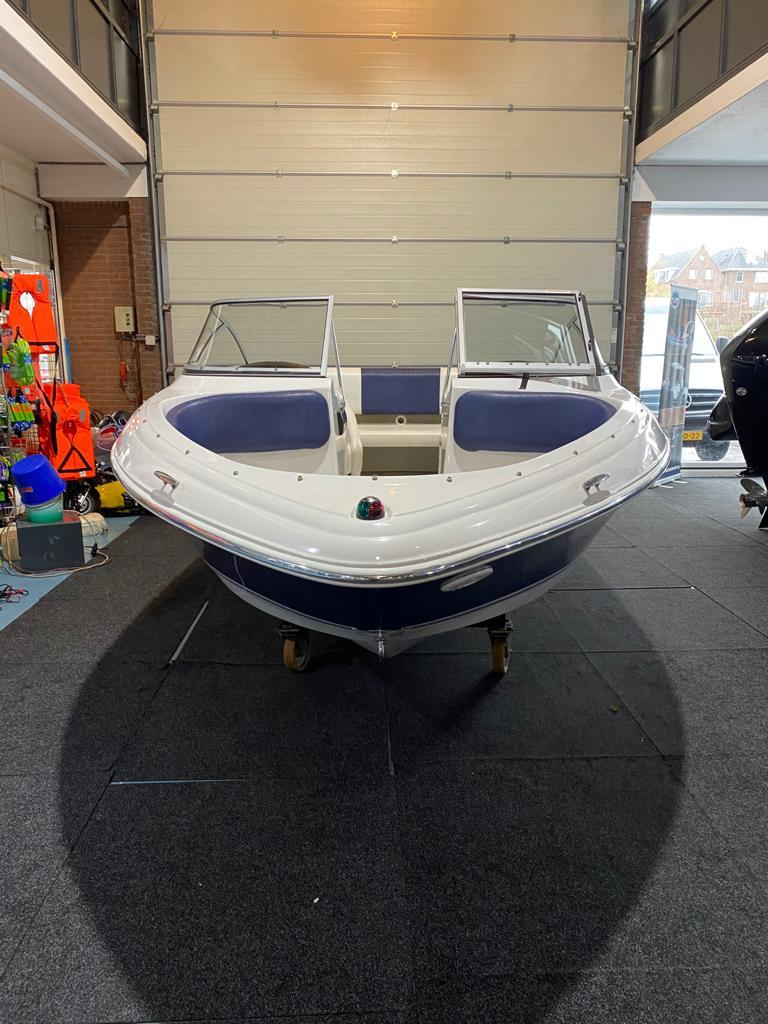 Four Winns 180 LE met Mercruiser 3.0 liter 4