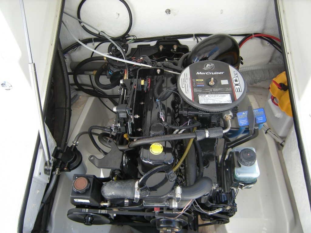 Karnic 2265 met Mercruiser 3 liter 5