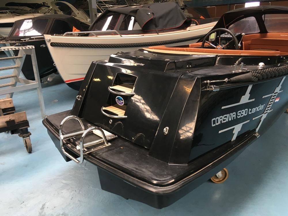 Corsiva 590 tender met honda 50 pk 5