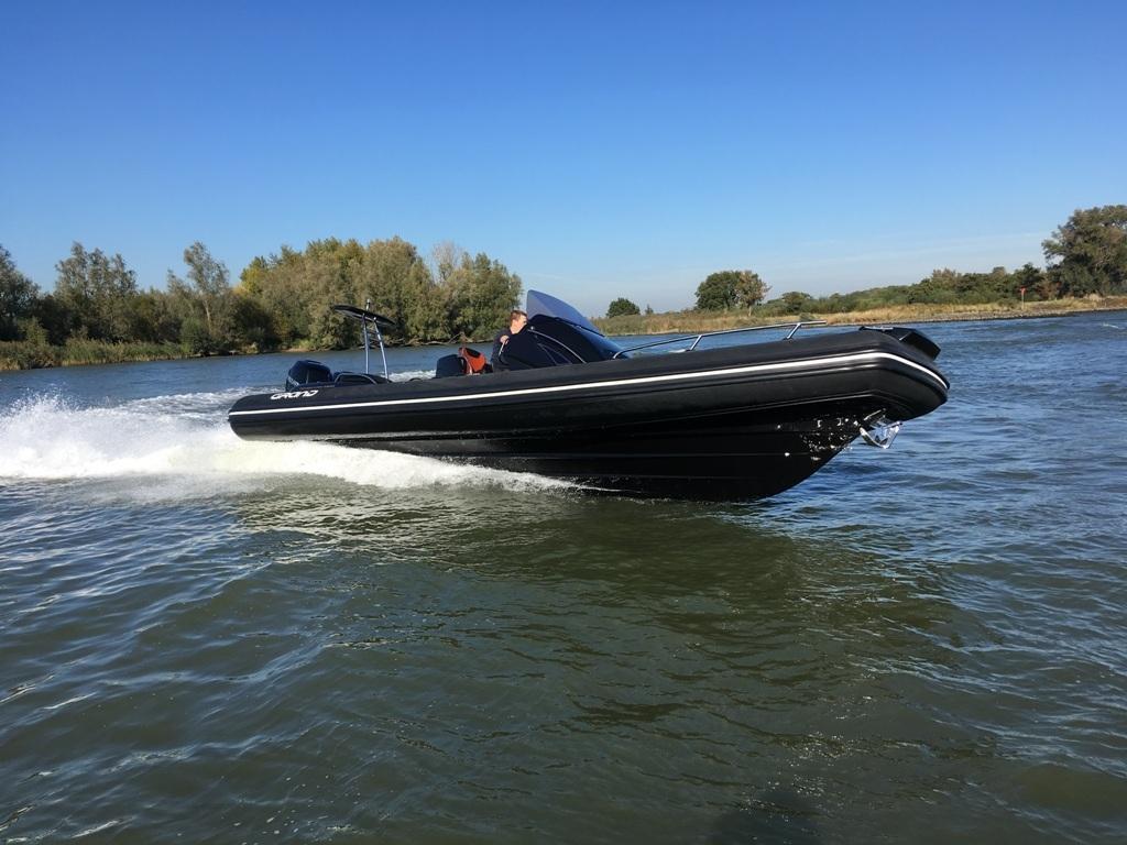 Grand 850 rib met 2x Mercury Verado 225 pk 1