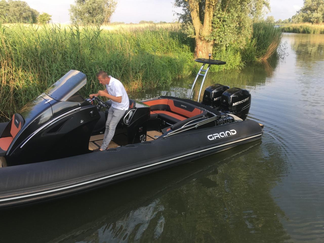 Grand 850 rib met 2x Mercury Verado 225 pk 2
