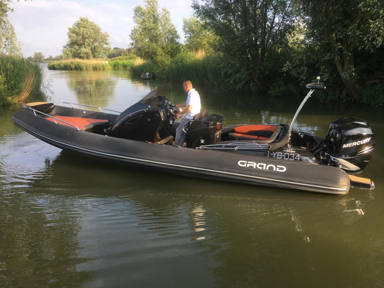 Grand 850 rib met 2x Mercury Verado 225 pk 8