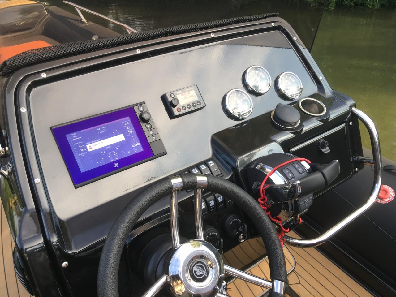 Grand 850 rib met 2x Mercury Verado 225 pk 10