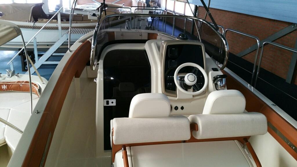 Invictus 270 fx sportboot 34