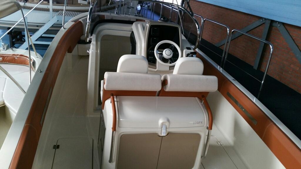 Invictus 270 fx sportboot 4