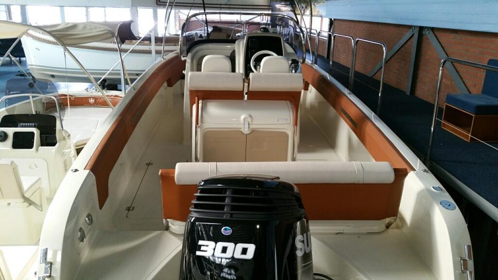 Invictus 270 fx sportboot 9