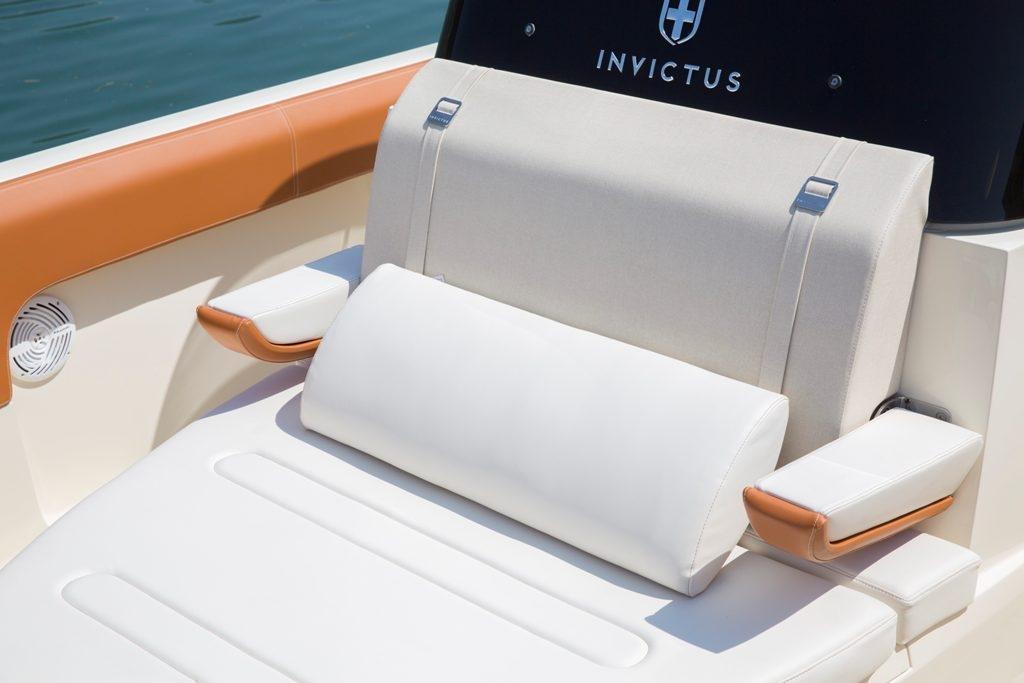 Invictus 270 fx sportboot 21
