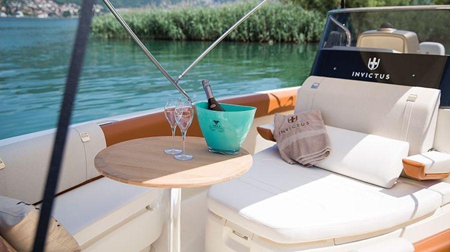 Invictus 270 fx sportboot 11