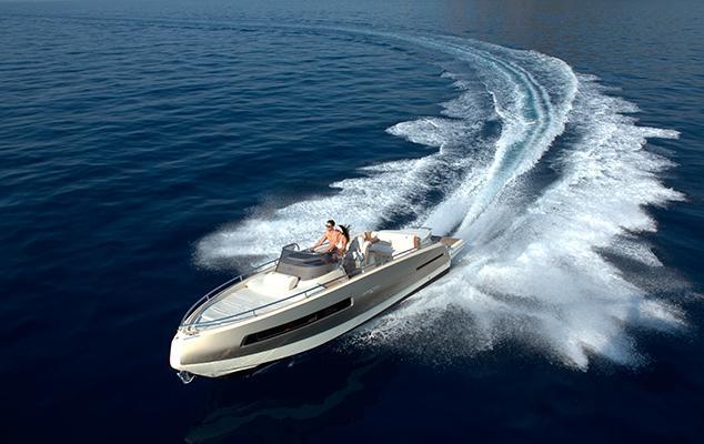 Invictus 280 GT sportboot met V8 350 pk JONG GEBRUIKT 11