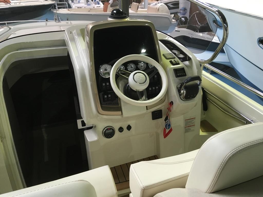 Invictus 280 CX met Volvo Penta V8 350 pk 4