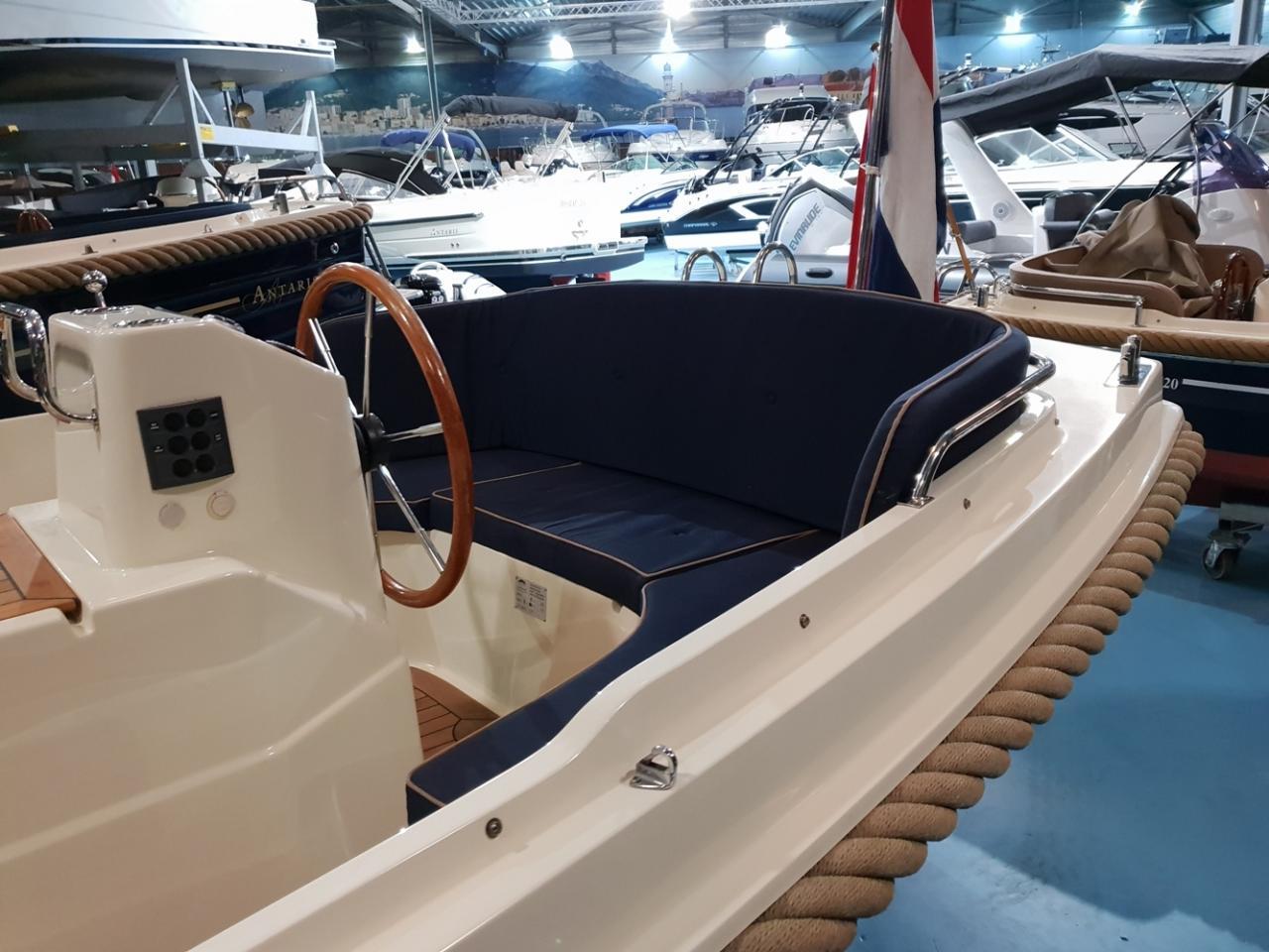 Interboat 19 met Vetus 28 pk 8