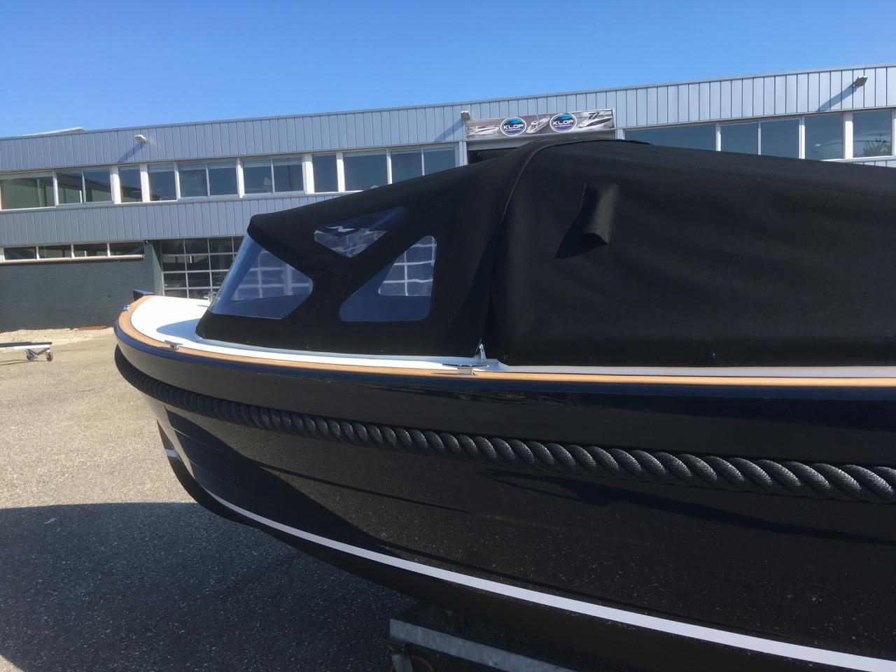 Maril 6NXT donkerblauw met Vetus 52 pk turbo diesel 8