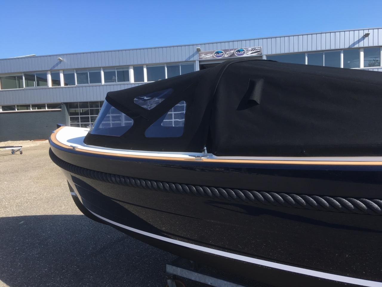 Maril 6NXT donkerblauw met Vetus 52 pk turbo diesel 7