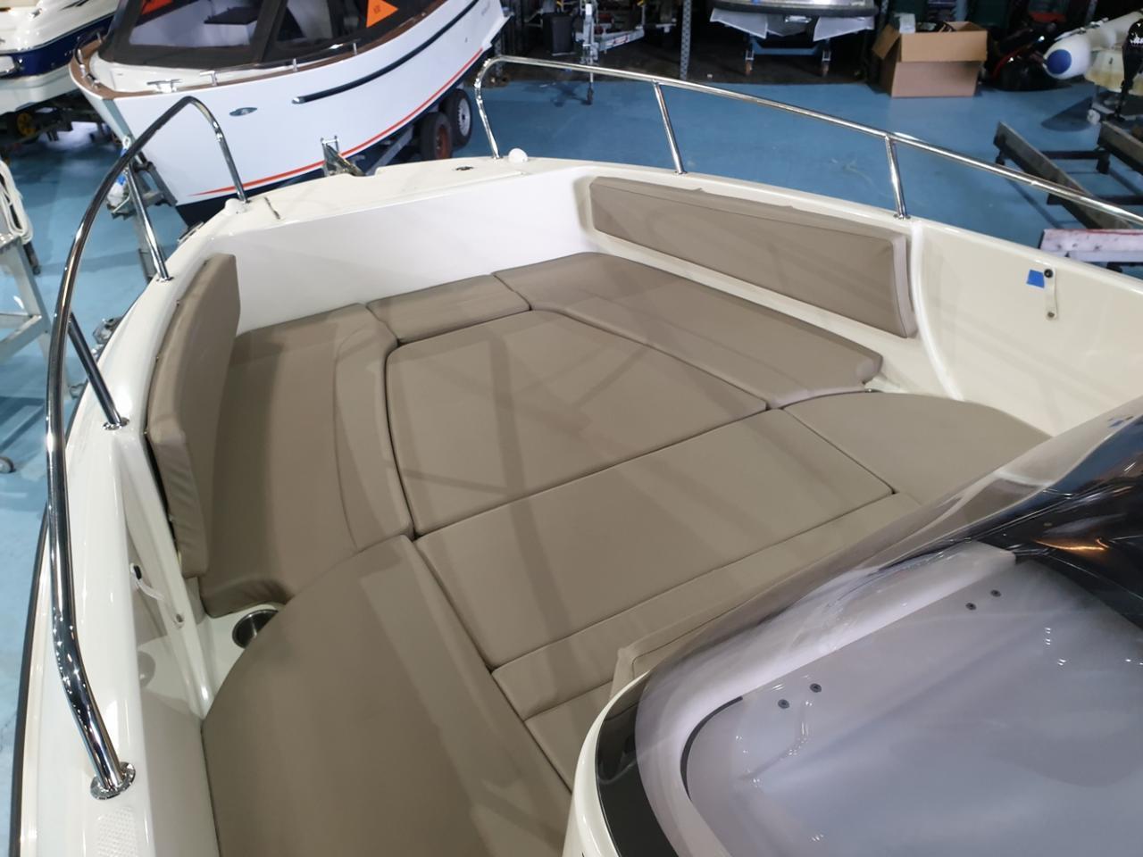 Quicksilver 755 activ open met Suzuki 300 pk! 9