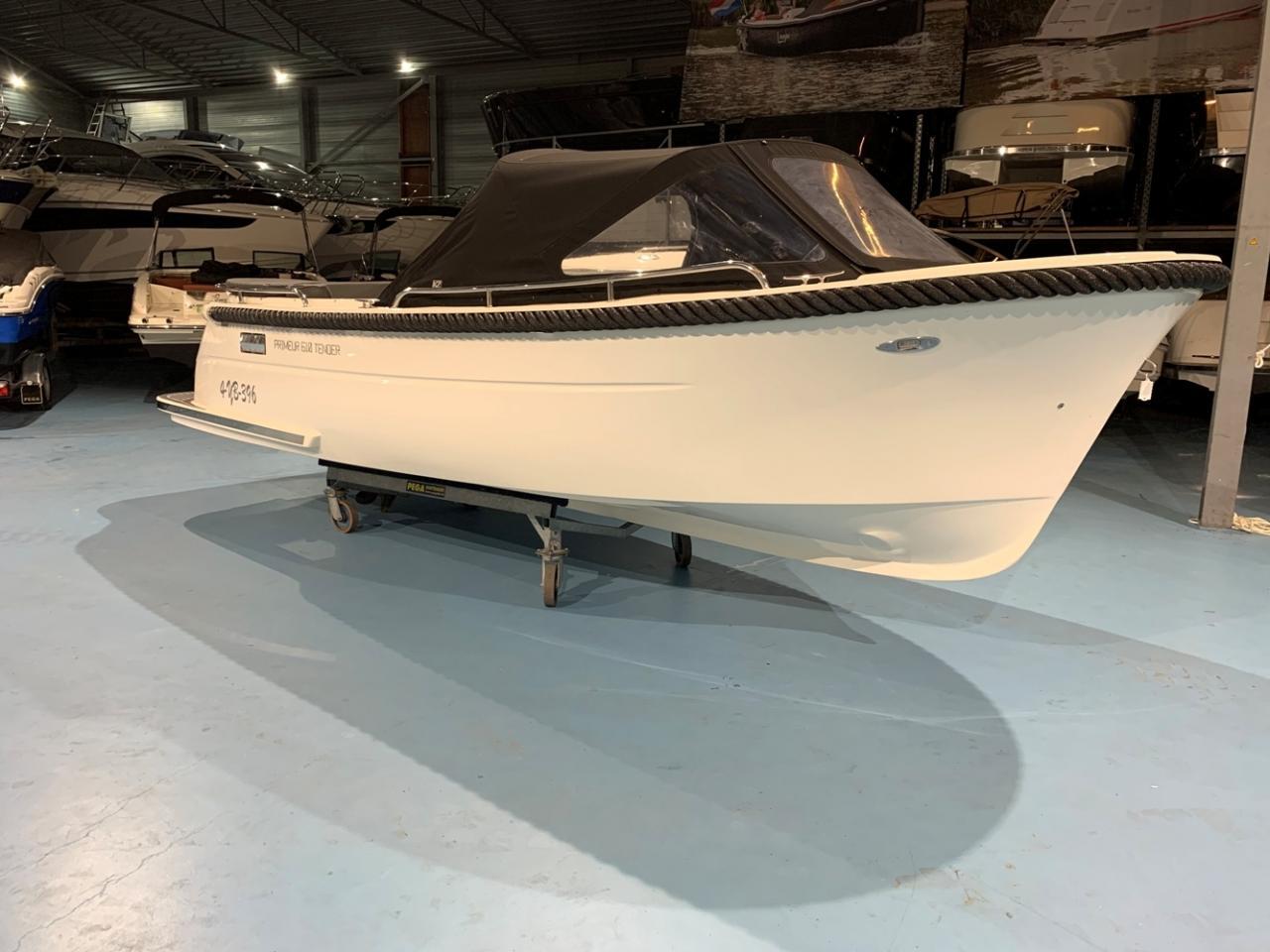 Primeur 610 tender met Suzuki 60 pk full options! 5