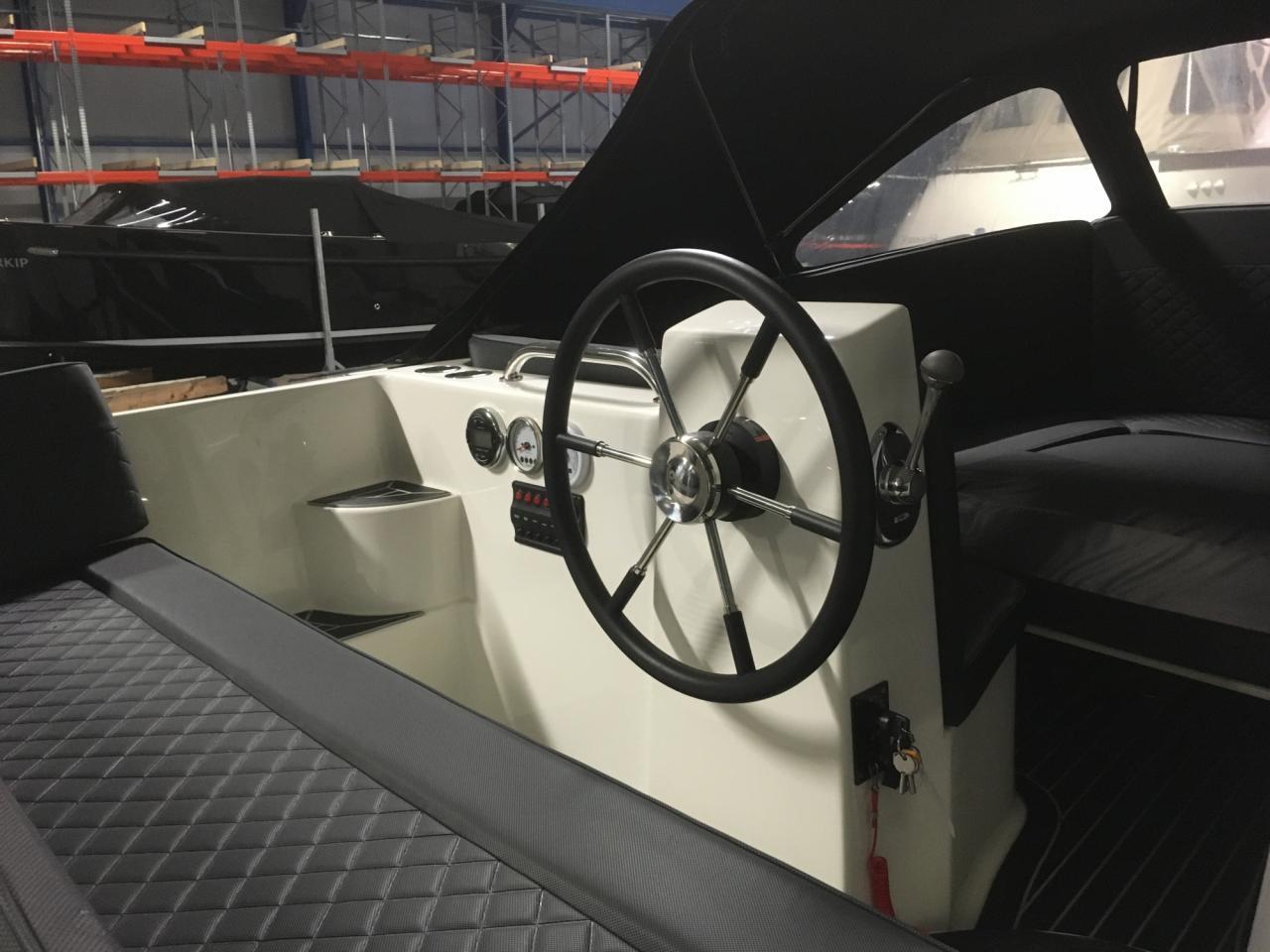 Primeur 610 tender met Suzuki 60 pk full options! 7