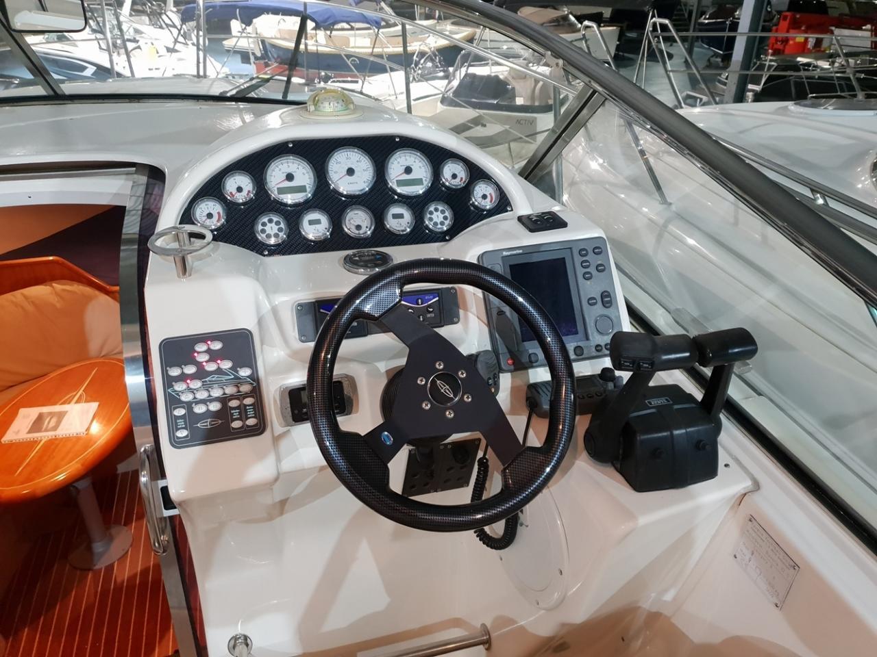 Bavaria 32 sport met 2 x Volvo Penta D3-160 11