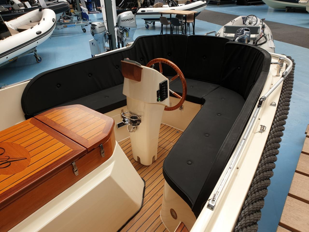 Antaris 630 sloep met Yanmar 110 pk full options! 11