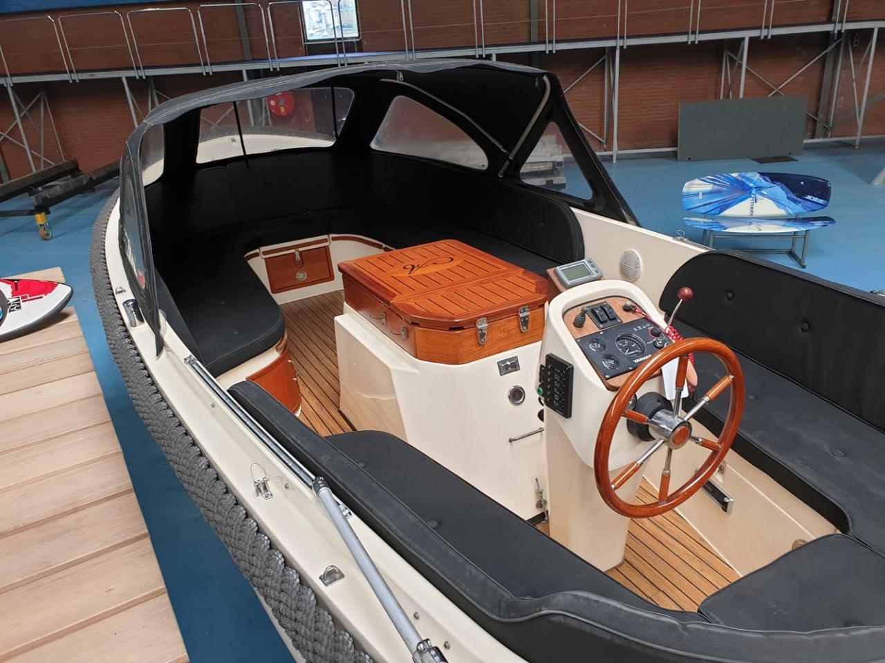 Antaris 630 sloep met Yanmar 110 pk full options! 13