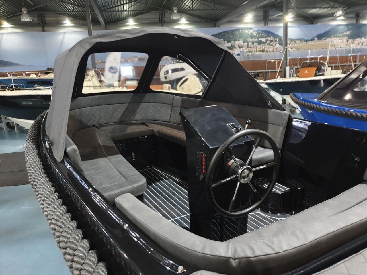Maxima 600 tender met Honda 50 pk VAARKLAAR! 3