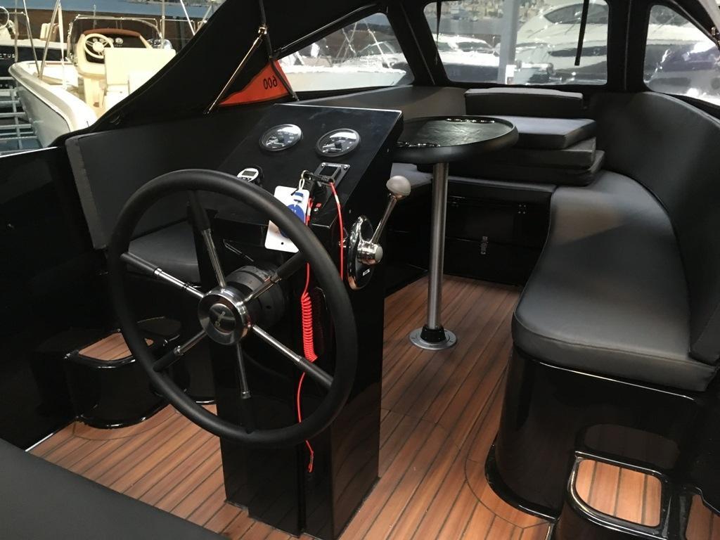 Maxima 600 tender met Suzuki 30 pk DEMO 6