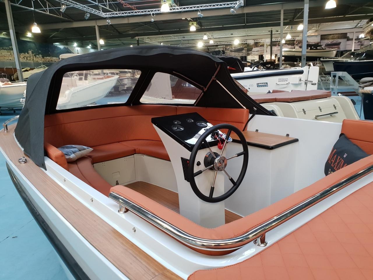 Maxima 630 met Honda 60 pk in lichtgrijze kleurstelling! 4